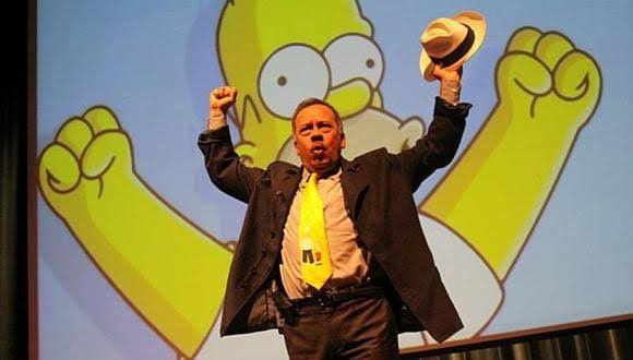 Humberto Vélez es Homero Simpson